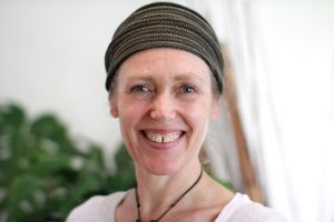 sue lee kundalini yoga teacher